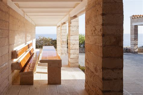An Architect?s Indoor/Outdoor Dreamscape in Mallorca