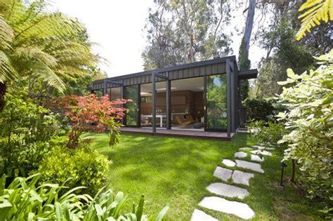 Refúgio Praiano Em Forma De Caixa  Casa Vogue Arquitetura