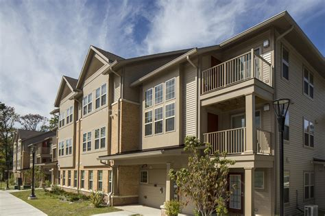 Appartments In New Jersey by Saddlebrook Court Apartments 700 Justin Court Cedar
