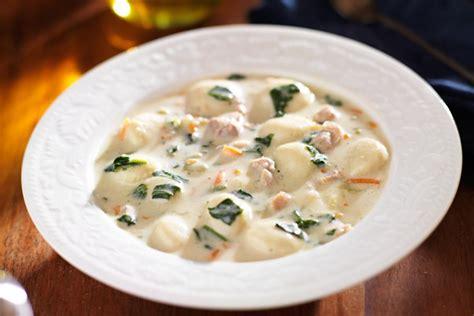 olive garden chicken gnocchi soup recipe olive garden chicken and gnocchi soup copycat kitchme