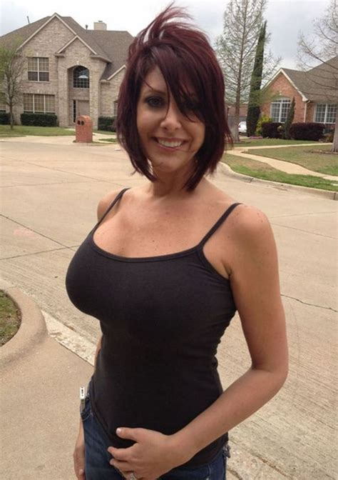 Busty And Gorgeous Hottest Cougars Pinterest Mom House And The Neighborhood
