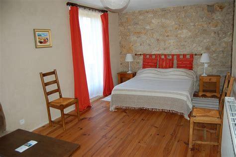 chambre d hote ornans chambre d 39 hôtes à cazeneuve montaut longuetaud