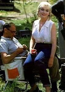 """1960 / Marilyn et MILLER lors du tournage du film """"The ..."""