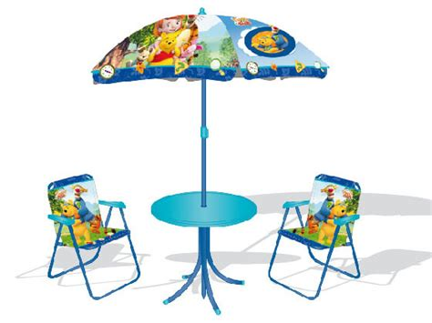 rehausseur de chaise winnie l ourson mobilier d 39 enfants salon de jardin quot winnie l 39 ourson quot 27289