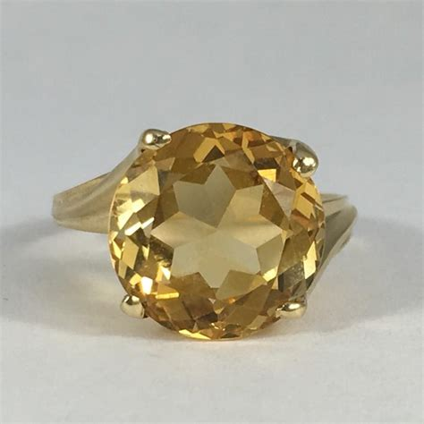 vintage citrine ring   yellow gold  carat citrine