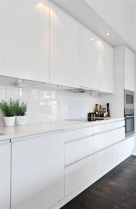 glossy white kitchen cabinets high gloss kitchen gloss kitchen and kitchens on pinterest