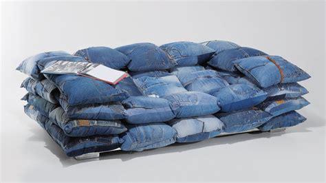 meuble martin canapé la décoration en jean denim à la conquête de la maison