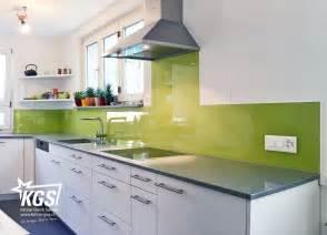 glasrückwand küche glasrückwand nahtlos in die küche integriert kgs