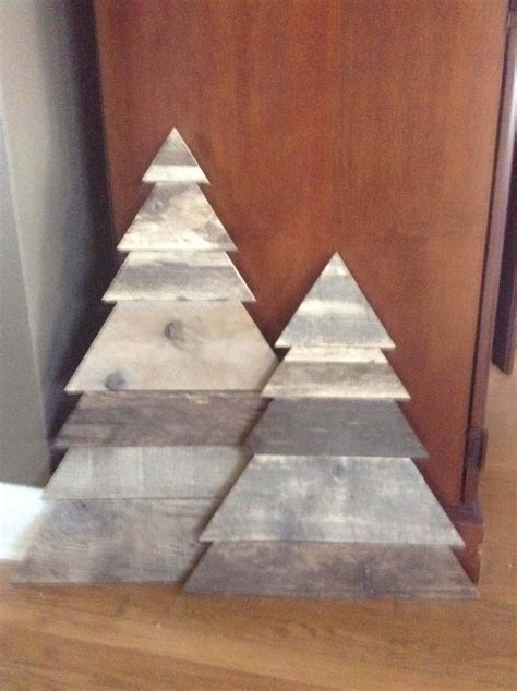 layered triangle pallet christmas tree pair  pallets