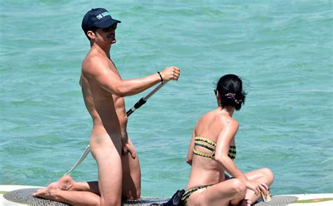 Omg He S Naked Orlando Bloom On A Paddle Board Omg Blog The Original Since