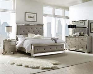Pulaski Furniture—Accents, Display Cabinets, Bedroom