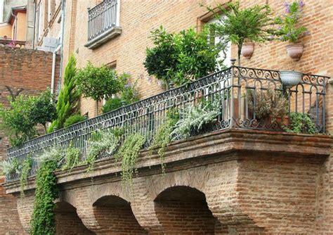 Garten Gestalten Beruf by Kleinen Balkon Gestalten Blument 246 Pfe Auf Dem Balkon