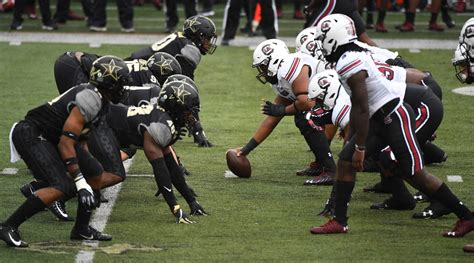 South Carolina football: Sadarius Hutcherson named SEC OL ...