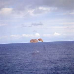 File:Apollo13 splashdown.jpg