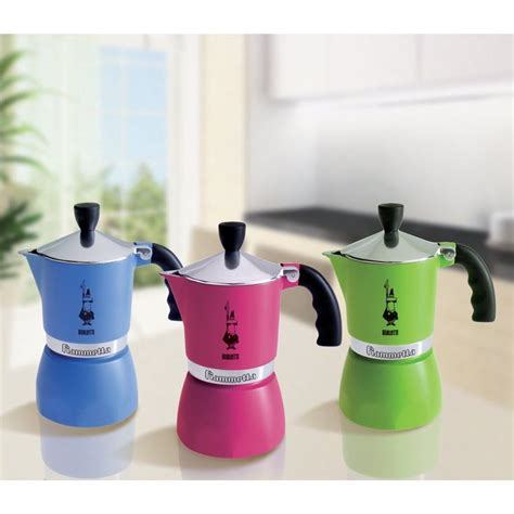 """Made of aluminum, with ergonomic handle. Amazon.com: Bialetti """"Fiammetta"""" Stove Top Espresso Maker, 3-cup (RED): Stovetop Espresso Pots ..."""