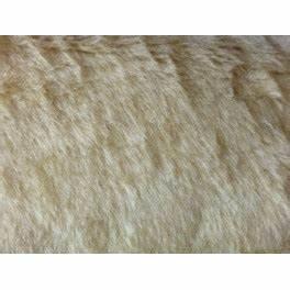 Fausse Fourrure Tissu : tissu fausse fourrure synth tique poils courts beige a0017 ~ Teatrodelosmanantiales.com Idées de Décoration