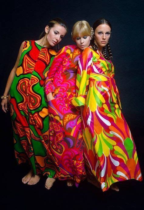 love these amazing 1960s psychedelic dresses ️ 사이키델릭 모델