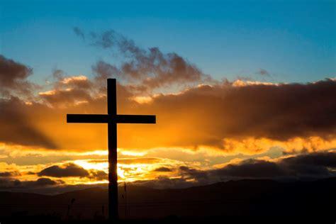 foot   cross lead  jesus