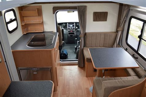 iveco  motorhome      pop  roof system