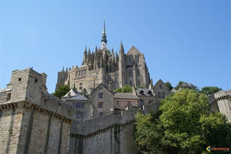 photo le mont michel en normandie