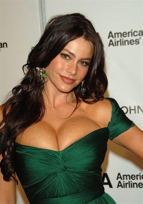 Sofia Vergara Looks A Hot Mess!   RedAlertLive.com