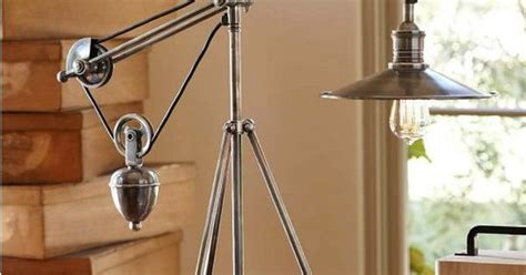 Pulley Task Table Lamp Uses A Filament Bulb To Reinforce