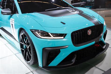 jaguar apresenta  primeira competicao de carros eletricos