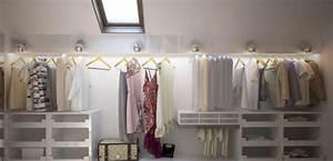 Schrank Unter Schräge : begehbarer kleiderschrank dachschr ge kleiderstange ~ Michelbontemps.com Haus und Dekorationen