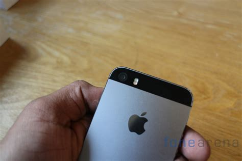 iphone 5s in hand apple iphone 5s hands on touch id sensor demo Iphon
