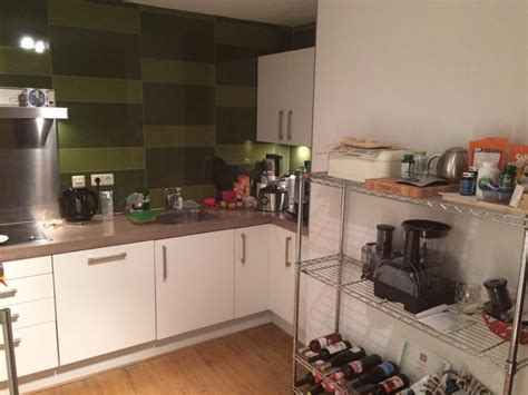 Nieuwe Keuken En Tegels by Keuken Tegels Verwijderen En Nieuwe Plaatsen Werkspot