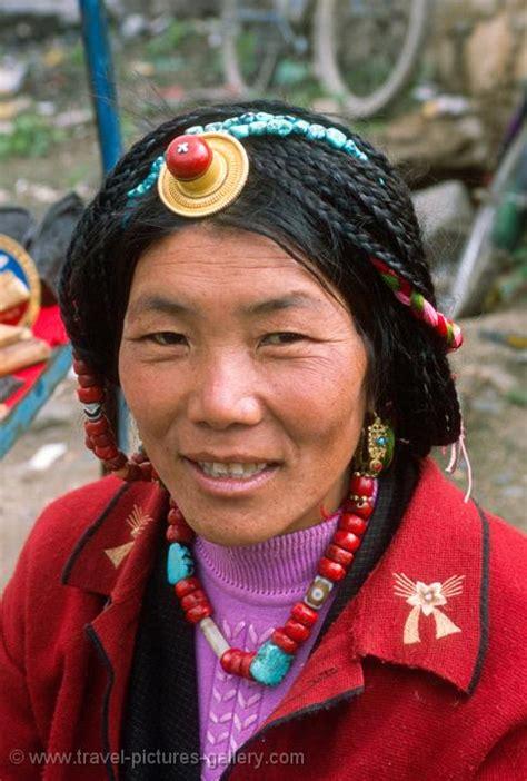 pictures  tibet lhasa   woman wearing