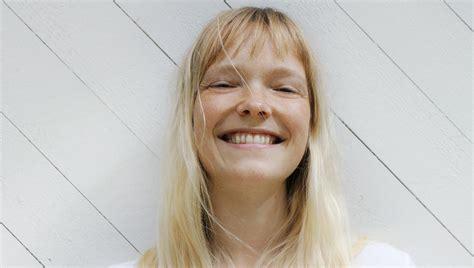 Buddhist Viktoria Winge (32) prøver å legge av seg ...
