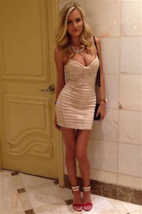 Babes In Tight Dresses Are Like A Present For Your Eyes