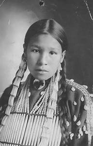 1800s-1900s Portraits Of Native American Teen Girls Show ...