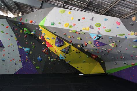 bangkoks  full scale indoor climbing gym  cool