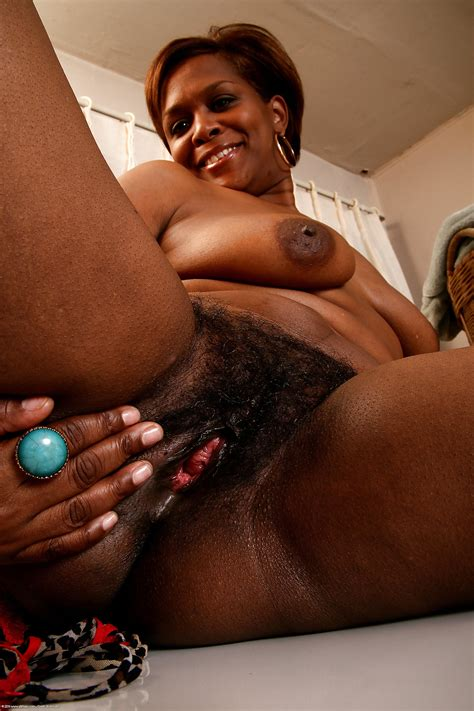Black Women Ebony Voyeur Panties Hairy Pussies 12