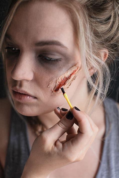 Zombie Makeup Tutorial - Say Yes