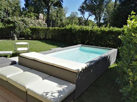 rivestimento in legno per piscine fuori terra realizzazione rivestimento esterno piscina fuori terra