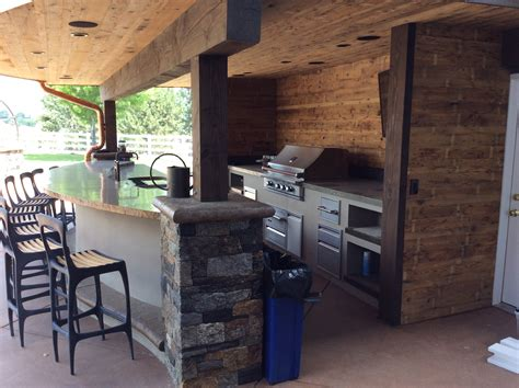 Tips For An Outdoor Kitchen