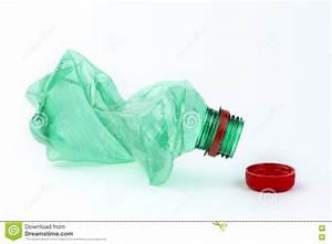 Bouteille En Plastique Vide : bouteille en plastique vide photographie stock libre de droits image 19346407 ~ Dallasstarsshop.com Idées de Décoration