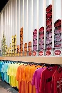 Visual Merchandising Studium : 29 eye catching retail displays pinterest ladenbau spiel und raum ~ Markanthonyermac.com Haus und Dekorationen
