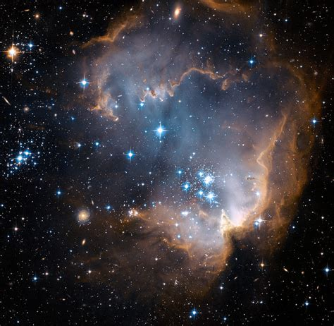 Globular Clusters Tell Tale Of Star Formation In
