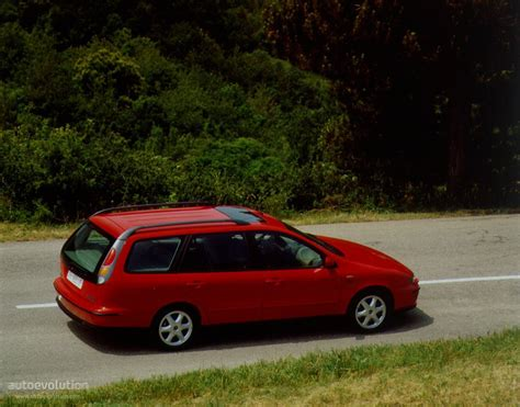 fiat marea weekend specs