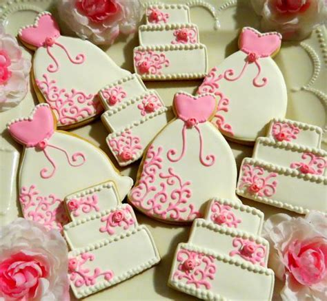 bridal shower cookie favors 24 decorated cookies wedding dress cake bridal shower