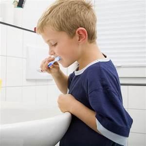 Dents Qui Se Déchaussent Photos : se brosser les dents apr s le repas un danger pour les dents ~ Medecine-chirurgie-esthetiques.com Avis de Voitures