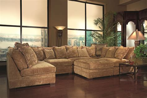 Huntington House 7100 Contemporary Sectional Sofa With