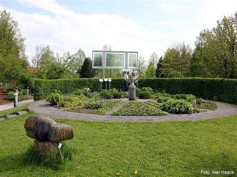 Mit Garten Freilassing by Der Bl 252 Tenkalender Im Botanischen Garten Freilassing