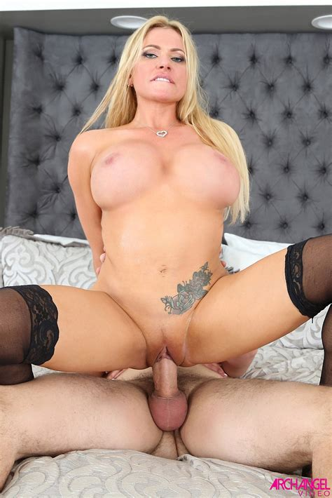 Briana Banks German Pornstar Makes Her Hardcore Bedroom Moves
