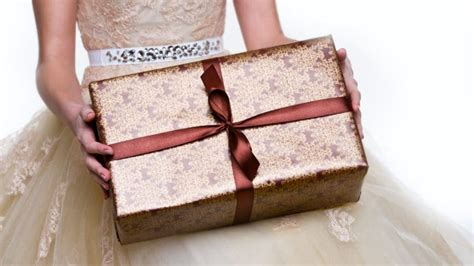 11 unique creative wedding gift ideas on a cheap budget