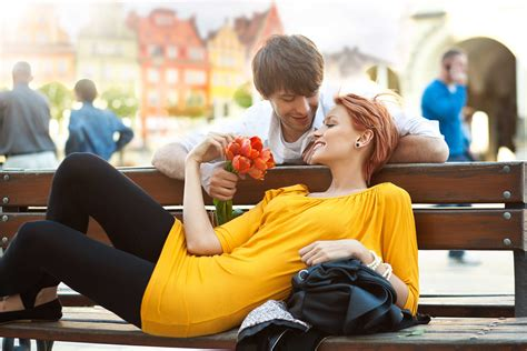 40+ Romantic Couple Wallpapers  Hd Love Couple Images